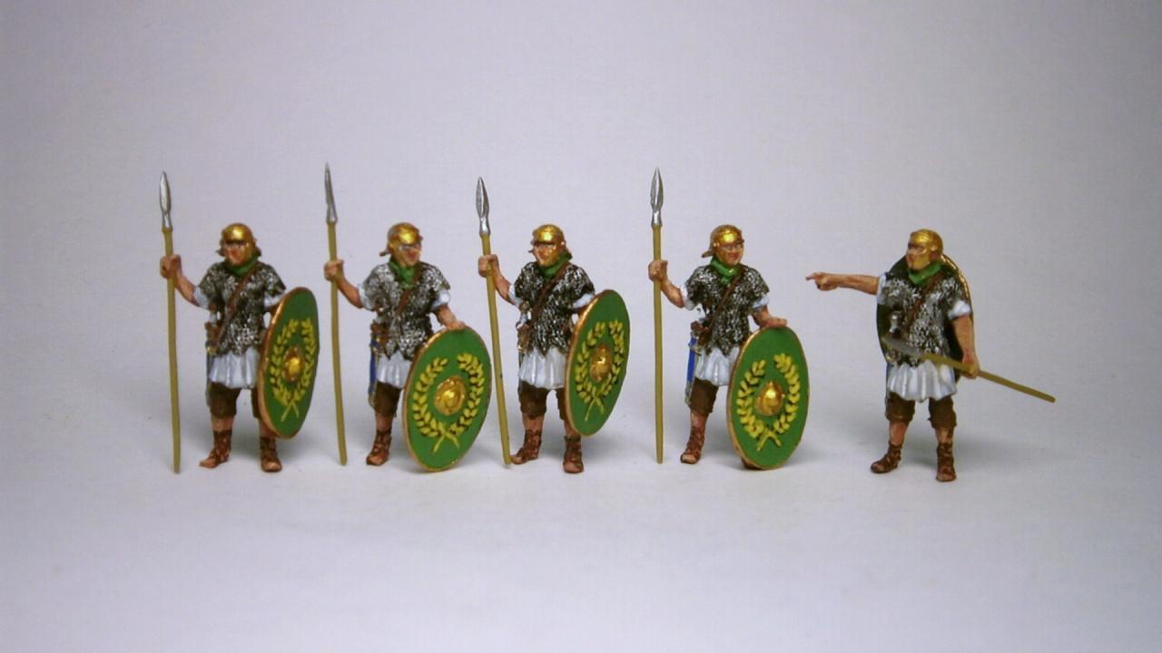 72-2001 - 5 Roman Auxiliar infantrymen on guard for Limestuerme etc. 1/72
