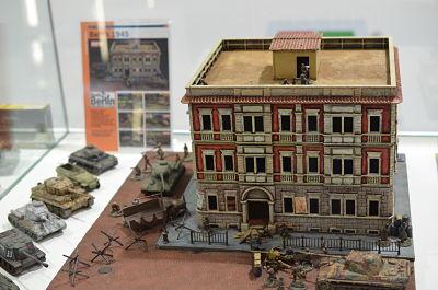 6086 - WWII- BERLIN HOUSE