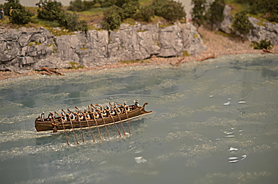 Roman boat on the Rhine or the Danube 1/72