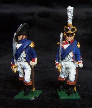 JS72/0383 - Officier français sabre à l'épaule 1/72