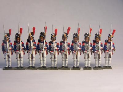 JS72/0168 - Grenadiers français de la Garde en grand uniforme présentant les armes 1/72