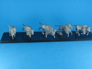 TM0009 - Herd of Buffalos 1/72