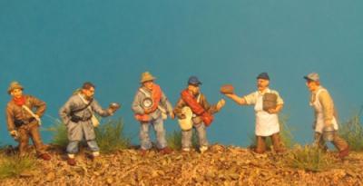 72-9005 - Essensausgabe Koch und 5 Soldaten 1/72