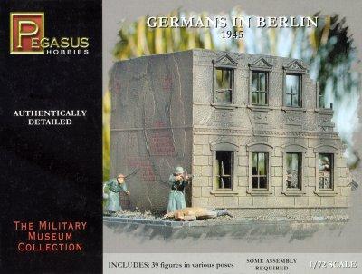 7228 - Germans in Berlin 1945 1/72