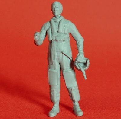 72P006 - Airforce pilot with Immersion suit and life vest type 8 1/72