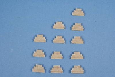 ML80305 - Dry-dock submarine hull support blocks 1/72