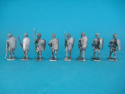 ÄG-07 Egyptians - advance with spear and shield, 16 parts 1/72