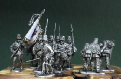 Austrian Grenzer or Hungarian Infantry in march, 12 1/72 figures