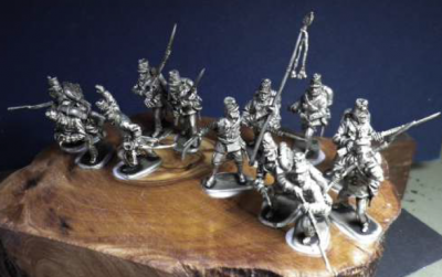 Austrian Infantry in Action, 12 1/72 figures