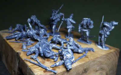 Austrian Jaegers and Infantry wounded & dead, 12 1/72 figures
