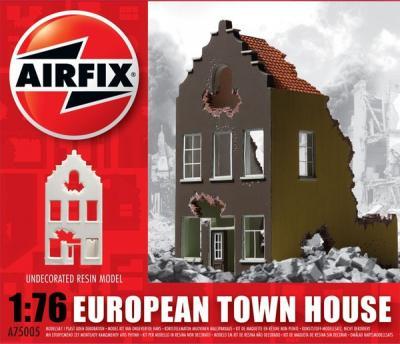 75005 - European Town House Ruin 1/76