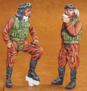 32081 - Japanese (WWII) Navy Pilots x 2