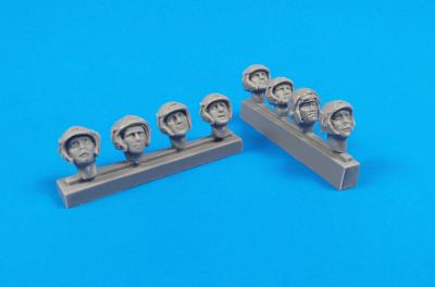 32320 - Universal Military Pilot Heads w/helmets
