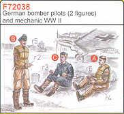 72038 - 3 German (WWII) Bomber Pilots WWII 1/72