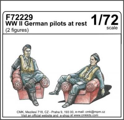 72229 - WWII German pilots at rest (2 fig) 1/72