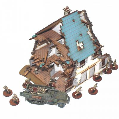 4G20012 - Pair of ruined North West European semi-detached cottages 1/72