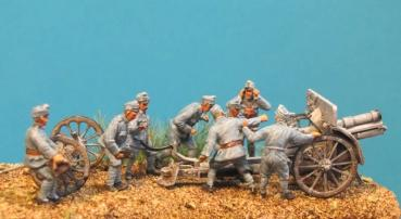 WW1 - 015 KUK Artillerymen use gun 8 figures 1/72