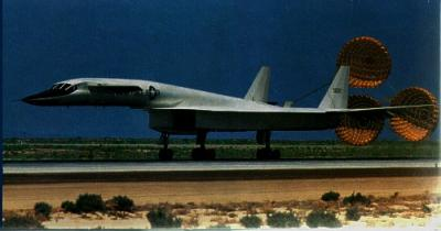 1282 - North-American XB-70 Valkyrie 1/72