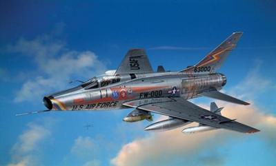 1299 - North-American F-100D Super Sabre 1/72