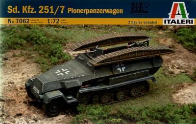 7062 - German Sd.Kfz.251/7 Pionierpanzerwagen 1/72