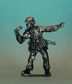 JS72/2004 - Officier allemand 1944 1/72