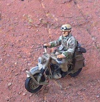 JS72-2006  Para allemand en moto 1/72