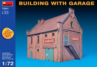 72031 - Building with Garage (Europe) 1/72