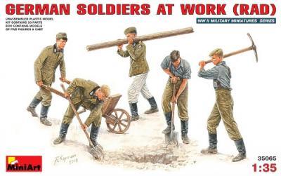 35065 - German WWII soldiers at work