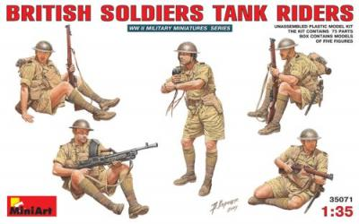 35071 - British WWII Soldiers Tank Riders