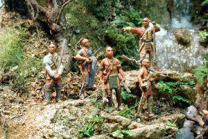 NIK-IND 05 - Waldindianer- stehende & gehende Krieger 1/72