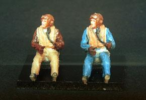 PJ721105 - 2 x RAF WWII Pilot's seated in aircraft 1/72