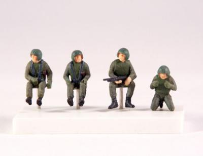 PJ721129 - Set of 4 US helicopter crew (Vietnam war) 1/72