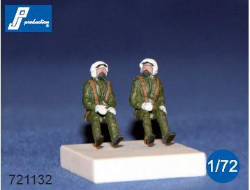 PJ721132 - RAF pilots seated in a/c 70's. Set of 2 figures suitable for all British jets of the 70s 1/72