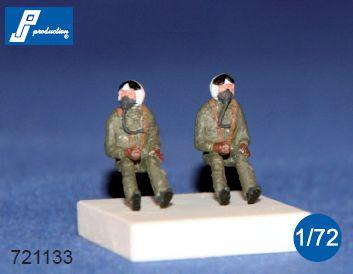 PJ721133 - NATO pilots seated in a/c 60's. Set of 2 figures suitable for all US jets of the 60s 1/72