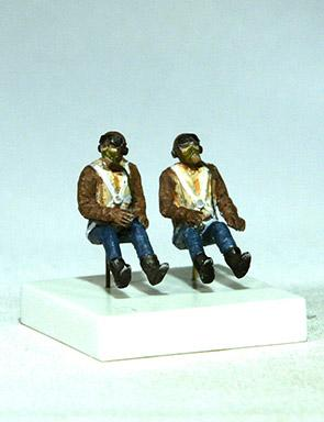 PJ721136 - 2xRAF Pilots seated in a/c (WWII) 1/72