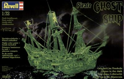 5433 - Ghost Ship Glows in the dark 1/72