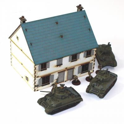 4G20011 - Pair of North West European semi-detached cottages 1/72