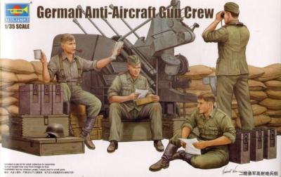 00432 - German Anti-Aircraft Gun Crew
