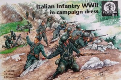 AP040 Italian Infantry in campaign dress (WWII)  1/72 (x 42 pieces)